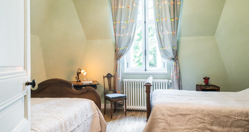 Le Castel - Lussac les Châteaux - Chambre Grand Mère Madeleine