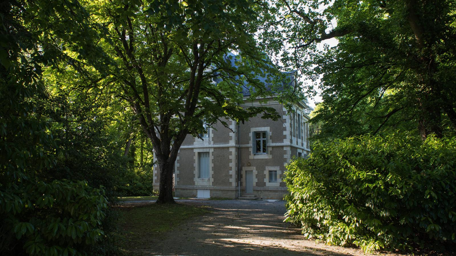 Le Castel à Lussac-les-Châteaux, nuits au château, le domaine